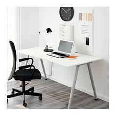 IKEA - THYGE, Skrivebord, , Benene kan indstilles mellem 60 og 90 cm i højden, så du kan montere bordpladen i en højde, der passer til dig.Overflade af melamin er holdbar, modstandsdygtig over for pletter og nem at holde ren.Den dybe bordplade gør arbejdsbordet stort, så du kan sidde i en behagelig afstand fra computerskærmen.