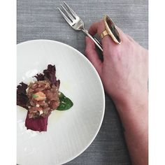 Hoy cenamos en @loidibarcelona (Martín Berasategui) --Con @letsbonus donas parte del gasto de tu cena o comida a ayudas a lo refugiados --- Info en él post Today dined at #loidi . --With @letsbonus Donuts spending part of your dinner or food aid to refugees --- info on it post 今天吃了饭在#loidi 。 你的晚餐或粮食援助难民 @letsbonus甜甜圈支出部分---它的信息 #publisher #loidi #estrellamichelin #foodie #spanishblogger #bcnblogger #fblogger #fashioninfluencer #lifestyle #fashionblogger #bloggingspeaker #martinber...