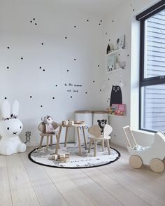 Black and white kids room - table nook