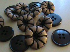Vintage Buttons  Lot of 14 Taupe flower by pillowtalkswf on Etsy, $5.00