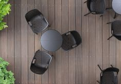 OCTOPUS 60 table is extremely compatible with AIR chair to create a peaceful atmosphere. [Siesta Exclusive   Contract Collection   AIR Chair]