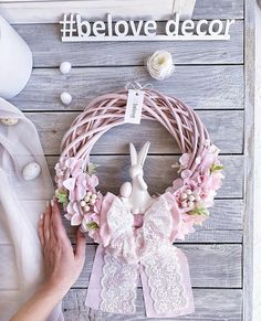 Diy Spring Wreath, Spring Crafts, Wreath Crafts, Diy Wreath, Easter Wreaths, Christmas Wreaths, Fabric Wreath, Easter Crafts, Happy Easter