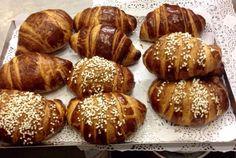 ☕️cornetti caldi appena sfornati❤️Buongiorno...☕️ Good morning, Bonjour www.fantasiagelati.it