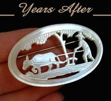 Vintage CARVED Mother of Pearl BROOCH Japanese Intricate Open-Work Scene c.1920's!