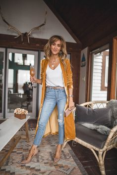 Karina Style Diaries Astr the label long gold velvet duster Jean Outfits, Chic Outfits, Fall Outfits, Fashion Outfits, Workwear Fashion, Girly Outfits, Looks Chic, Looks Style, My Style