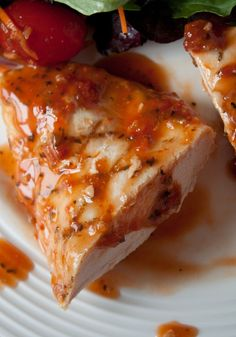 Grilled Chicken in Sun Dried Tomato Basil Vinaigrette        4 sun-dried tomato halves, from a jar, packed in oil      2 tablespoons balsamic vinegar      2 tablespoons red wine vinegar      2 garlic cloves      1/2 teaspoon salt      1/4 cup olive oil      1/4 cup fresh basil leaves      1 1/2 lbs chicken breasts
