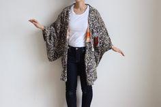Etsy のHaori, silk kimono, kimono cardigan, vintage kimono jacket /1254(ショップ名:LitreJapan)