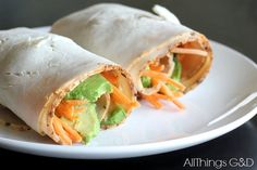One of my favorite Paleo & Whole30 recipes to make for lunch, and only 4 ingredients needed! Made with creamy avocado and sweet, crunchy carrots.