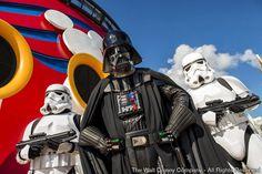 Celebrações que prometem durar o dia todo, vão encantar crianças e adultos fãs do filme CELEBRATION, Florida. (12 de fevereiro, 2015) – Em 2016, os passageiros da Disney Cruise Line vão poder celebrar as aventuras legendárias e conhecer os principais personagens da saga Star Wars, a...
