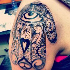 Hamsa Shoulder Tattoo #amulet#evileye#tattoo#tattoos#protection#protecter#hand#khamsa#brooklyn#bedstuy#handoffatima#fatima#tattoo#tattoos#khomsha#handofmary#tattoogram#tattoosforwomen#womenstattoo#instadaily#instamgood#handtattoos#picoftheday#inkedup#ink#