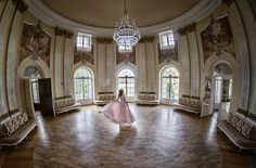 #dress #palace #architecture #fashion #model #dance #session #beauty