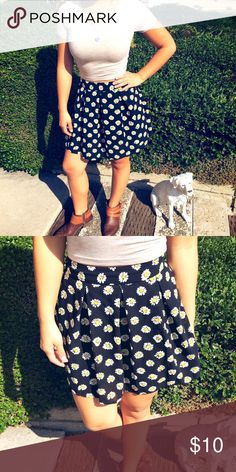 Flower Skirt 🌼 High waist. Only worn once. Size small 😙 Skirts A-Line or Full