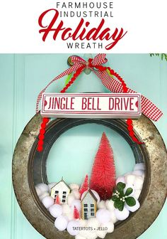Fab and Fresh Decor /// Seasonal DIY Ideas are waiting for you! You will find tons of inspiration and fresh farmhouse diy ideas Happy Christmas Day, Christmas Time, Christmas Crafts, Xmas, Christmas Ideas, Hobby Lobby, Holiday Wreaths, Holiday Decor, Holiday Ideas
