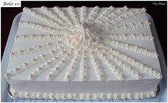 By Paty Shibuya - Bolos & Cakes - Birthday Cake Art Deco Cake, Cake Art, Cake Images, Cake Pictures, Cake Icing Tips, Wedding Sheet Cakes, Costco Cake, Slab Cake, Buttercream Birthday Cake