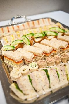 Variety Of Tea Sandwiches Arranged On The Tray # vielzahl von tee-sandwiches auf dem tablett angeordnet Variety Of Tea Sandwiches Arranged On The Tray # Healthy brunch recipes, brunch recipes Crockpot, Christmas brunch recipes Snacks Für Party, Appetizers For Party, Appetizer Recipes, Delicious Appetizers, Delicious Sandwiches, Fruit Snacks, Food For Parties, Tea Party Foods, Finger Foods For Party