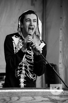 Tyler singing his heart out ❤️ I love him!