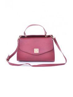 Štýlová dámska kabelka od JUSTPLAY z kvalitného materiálu. Elegantná kabelka Gasca spája jednoduché prvky s aktuálnymi módnymi trendami.