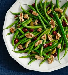 A bed of crisp green beans showcases the striking flavors of olives, sun-dried tomatoes and walnuts in this attention-grabbing dish. We're having this as part of our Valentine's Dinner. Walnut Recipes, Side Recipes, Vegetable Recipes, Whole Food Recipes, Vegetarian Recipes, Healthy Recipes, Yummy Recipes, Dinner Recipes, Paleo Dinner