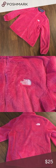 Northface jacket girls XL/fits like Adult Medium! Very soft and looks brand new! North Face Jackets & Coats