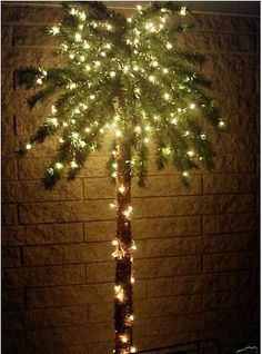 7 Foot Lighted Palm Tree   300 Lights   Indoor / Outdoor []