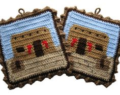 Chicken Pot Holder Set. Turquoise color crochet by hooknsaw