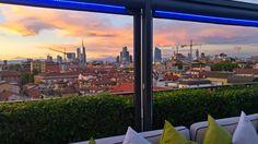 La nostra Sky Terrace Bar Milano Scala è un'oasi green che domina il quartiere di Brera, dove poter degustare l'aperitivo godendo di un panorama a 360° sulla città, ma ciò che la rende unica è la vostra presenza. Vi aspettiamo per una nuova stagione insieme! http://www.skyterracemilanoscala.it #milanoscala #happyhour #aperitivo #milano