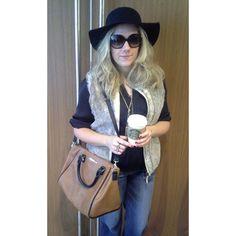 Last minute Halloween costume: Rachel Zoe. Needed: Black hat, oversized sunglasses, hobo bag, flare jeans and fur vest.