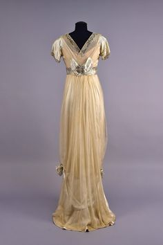 Evening Gown (image 2)   House of Worth   France; Paris   early 20th century   beaded silk, chiffon, lace, tulle   Whitaker Auctions   Spring 2017