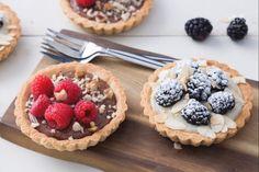 Le tartellette vegane sono fragranti e ripiene di crema o cioccolato. Un dessert 100% vegan che vi sorprenderà come un classico dolce da fine pasto!