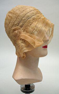 Ivory Horsehair Bobbin Lace Braid Cloche