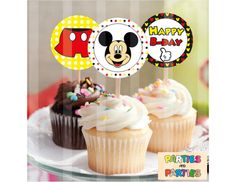 These awesome 2 Mickey Mouse Cupcake Toppers.    ∞∞∞∞∞∞∞∞∞∞∞∞∞∞∞∞ What are you buying? ∞∞∞∞∞∞∞∞∞∞∞∞∞∞∞∞  ● 2 Mickey Mouse Cupcake Toppers: 9