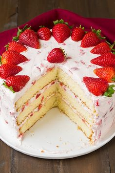 Fresh Strawberry Cake - Cooking Classy