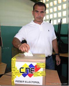 """Carlos Andrés Michelangeli: """"No podemos perder el derecho a elegir"""" - http://www.leanoticias.com/2012/12/16/carlos-andres-michelangeli-no-podemos-perder-el-derecho-a-elegir/"""