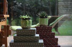 As Caixas de presente da Joy Paper Papelaria decoram a casa. www.joypaper.com.br