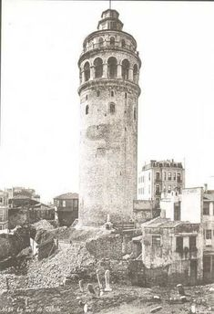 Galata tower – Ebru E. Duvenci – Join the world of pin Pictures Of Turkeys, Old Pictures, Old Photos, Wonderful Places, Beautiful Places, Turkey History, Empire Ottoman, Photos Voyages, Turkey Travel