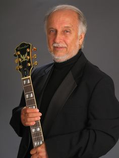 Roberto Menescal será homenageado no Grammy Latino: http://rollingstone.uol.com.br/noticia/roberto-menescal-sera-homenageado-pelo-grammy-latino/ …