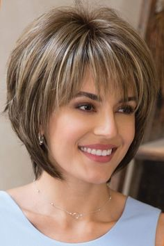 Colorful short hairstyles - 15 unique hair colors - Top Trends Short Bobs Haircuts Look Sexy and Charming! Modern Short Hairstyles, Short Hairstyles For Thick Hair, Short Layered Haircuts, Layered Bob Hairstyles, Haircut For Thick Hair, Short Hair With Layers, Short Hair Cuts For Women, Popular Hairstyles, Layered Bob Short