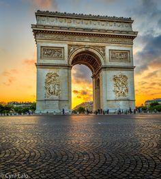 Arc de Triomphe, Paris at Sunset