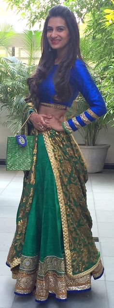 Emerald green and peacock blue desi India Fashion, Ethnic Fashion, Asian Fashion, Indian Wedding Outfits, Indian Outfits, Indian Attire, Indian Wear, Green Lehenga, Desi Clothes