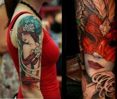 La mujer enmascarada parece que se va a salir del cuerpo. ¡Qué pasada! Por cierto, el tatuador es Jeff Gogué.