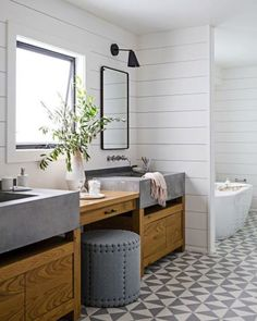 Shiplap + patterned tile combo!   Also splurge + save mirror picks on Beckiowens.com tonight.  Have a great night.  Bathroom via @housebeautiful
