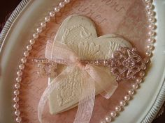 Image detail for -Shabby Victorian Romantic key and heart Wall decor, upcycled . Victorian Decor, Victorian Fashion, Fun Ideas, Craft Ideas, Heart Wall Decor, Feminine Decor, Old Picture Frames, Shabby Chic Crafts, Key To My Heart