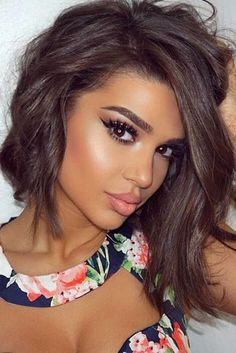 Do you prefer cool brown hair with blue and grey undertones? Check out these 35 ash brown hair color looks to pick the perfect smoky shade for your strands. Cool Brown Hair, Brown Hair Looks, Ash Brown Hair Color, Medium Ash Brown Hair, Redish Brown Hair, Short Brown Hair, Medium Hair Styles, Short Hair Styles, Asymmetrical Bob Haircuts