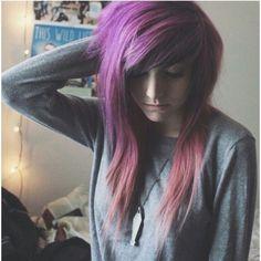 alex dorame I love her hair. I wish mine was like it but I can't. It's soo pretty Cute Scene Girls, Cute Emo Girls, Dye My Hair, Hairstyles With Bangs, Girl Hairstyles, Scene Girl Fashion, Pelo Emo, Estilo Punk Rock, Alex Dorame