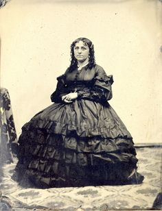 30 Vintage Portrait Photos Show Women of Boston from the 1860s  http://feedproxy.google.com/~r/vintageeveryday/~3/RHR5XpjBy8o/30-vintage-portrait-photos-show-women.html