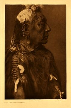 40 Haunting and Beautiful Portraits of Native American Peoples, Shot by Edward S. Curtis From the Early Century ~ vintage everyday Native American Pictures, Native American Tribes, American Indians, Native Americans, Indian Pictures, Sioux, Reserva India, Crow Indians, Portraits