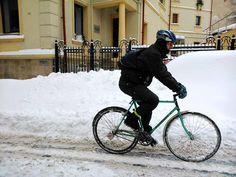 1660297 677805242277134 363943908 n Iarna pe bicicletă în Bucureşti. A love story.