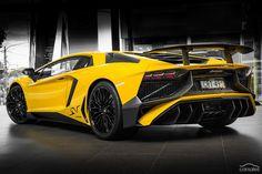 Lamborghini LP 750-4 SV