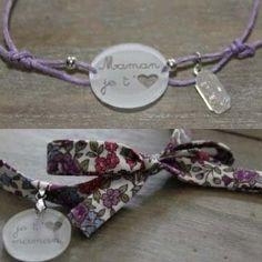 Bracelets, colliers et colifichets, chez Claudy Fantaisies, rue Saint-Jacques à Tourcoing.