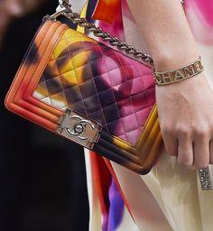Modne torebki - trendy wiosna-lato 2015, Chanel, fot. Imaxtree